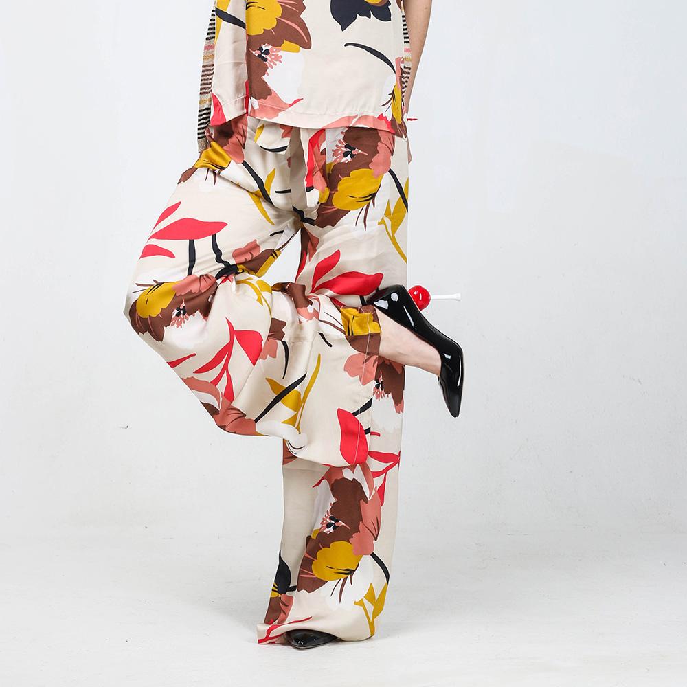 Брючный костюм Kaos бежевого цвета с высокой талией