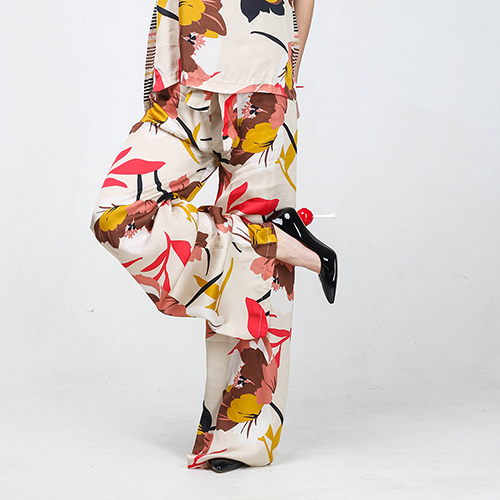 Брючный костюм Kaos бежевого цвета с высокой талией, фото