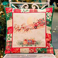 Наволочка для подушки Emilia Arredamento Пэчворк Дед Мороз на санях 45х45см , фото
