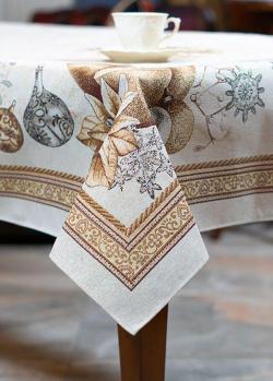 Скатерть из гобелена Villa Grazia Золотая пуансеттия 140х140см, фото