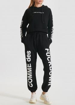 Черный костюм Comme des Fuckdown с брендовым принтом, фото