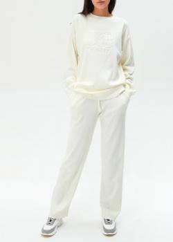 Белый костюм Twin-Set с фирменным тиснением, фото