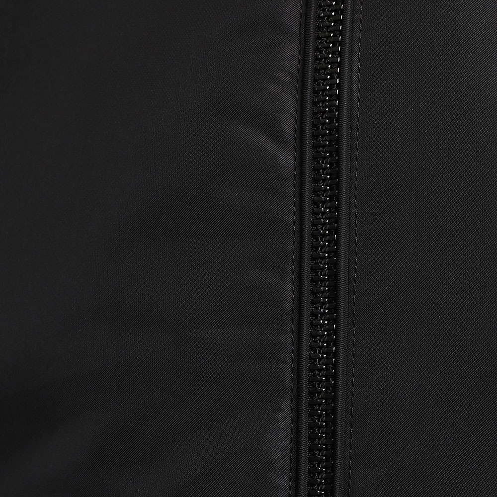 Черный бомбер Emporio Armani на молнии