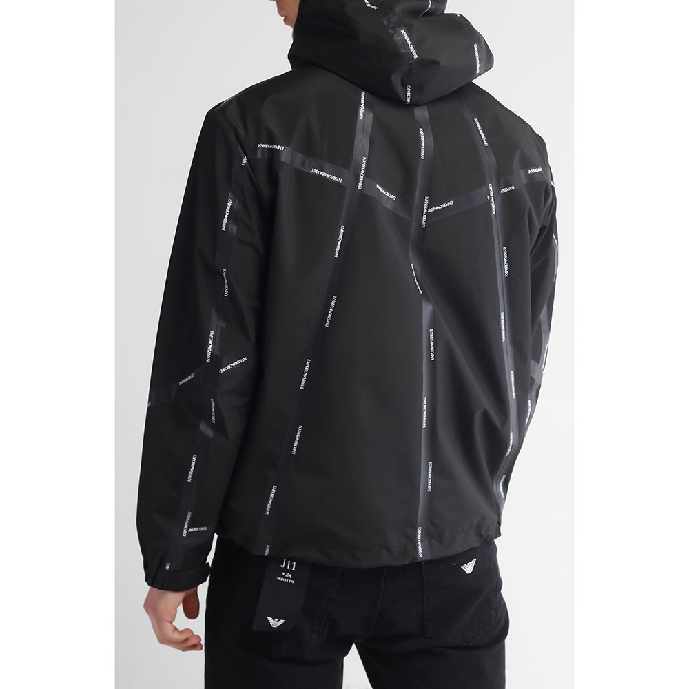 Мужская ветровка Emporio Armani черного цвета