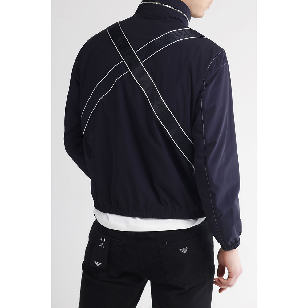 Синяя куртка Emporio Armani на молнии