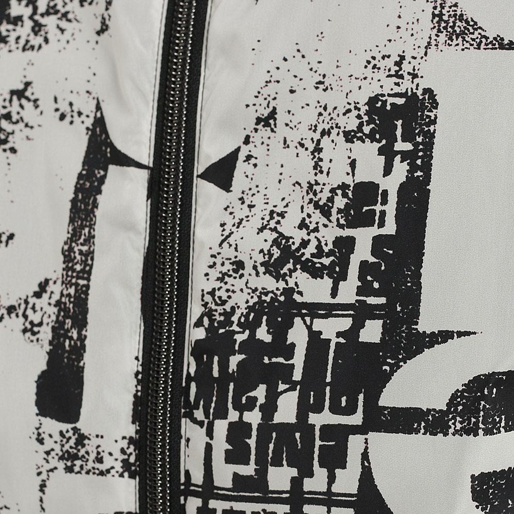 Ветровка Herno с черно-белым принтом