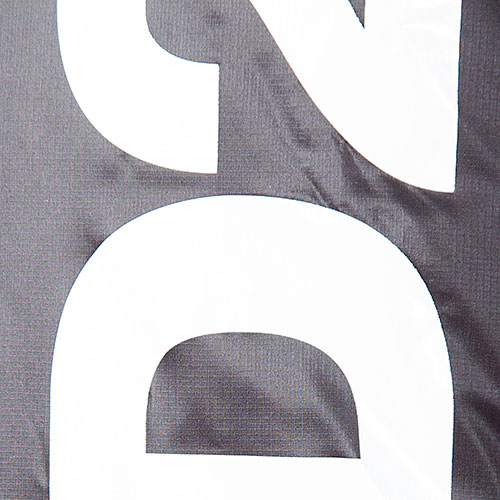 Черный пуховик Dsquared2 с принтом, фото