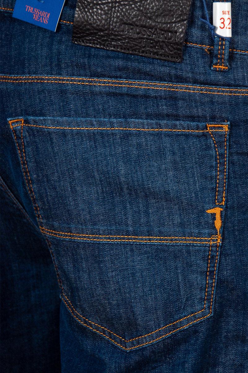 Мужские джинсы Trussardi Jeans синего цвета