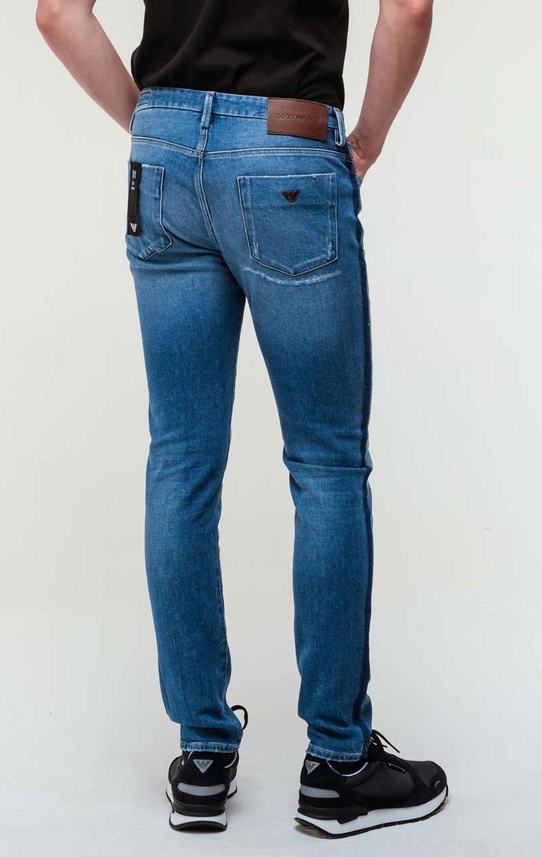 Синие джинсы Emporio Armani с потертостями