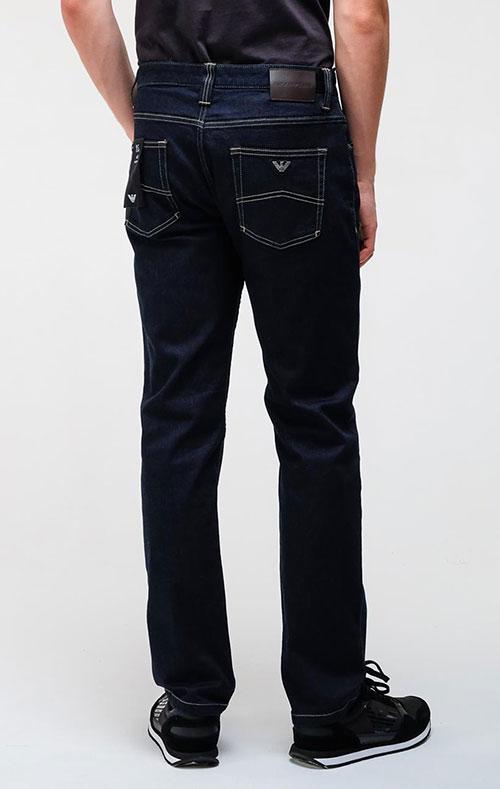 Темно-синие джинсы Emporio Armani с контрастной строчкой, фото