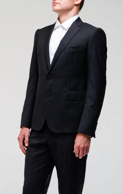 Черный пиджак Emporio Armani на две пуговицы