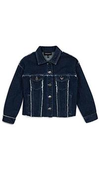 Джинсовая куртка Emporio Armani синего цвета с брендовой нашивкой, фото