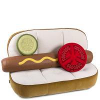 Диван Seletti Hot Dog в виде хот-дога белого цвета, фото