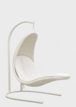 Белое подвесное кресло на стойке Skyline Design Christine из искусственного ротанга, фото