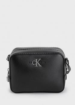 Черная сумка Calvin Klein с металлическим логотипом, фото