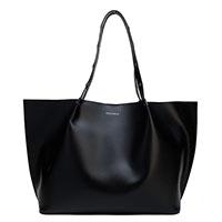 Черная сумка Coccinelle с дополнительной косметичкой, фото