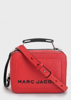 Красная сумка Marc Jacobs с брендовой надписью, фото