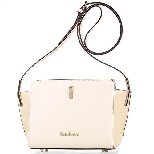 a0d709e6ac44 Маленькая наплечная сумка бежевого цвета Baldinini с лаковыми вставками