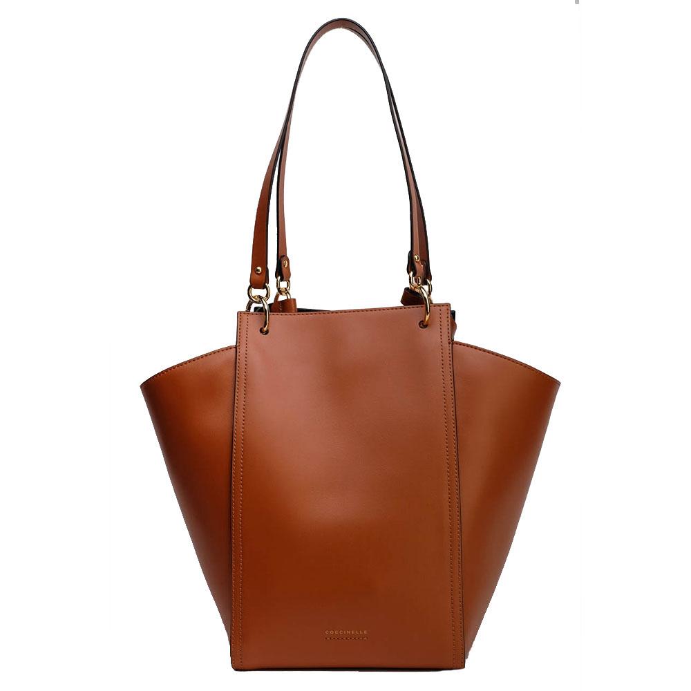 Женская сумка Coccinelle коричневого цвета