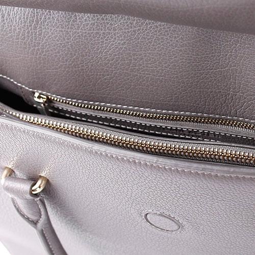 Серая сумка трапециевидной формы Lancaster из зернистой кожи, фото