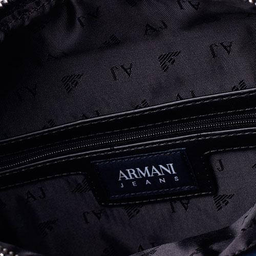 Сумка прямоугольной формы Armani Jeans черного цвета с декоративной стежкой, фото