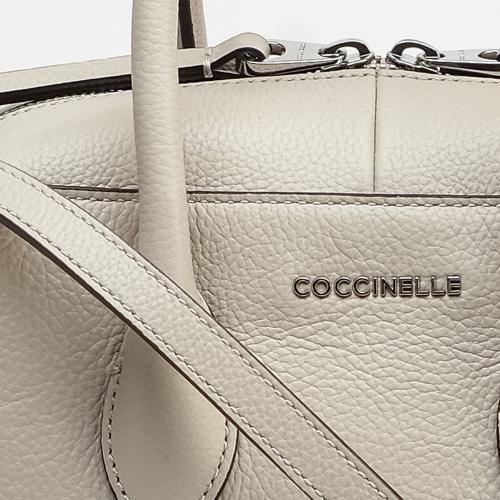 Сумка Coccinelle из кожи бежевого цвета, фото