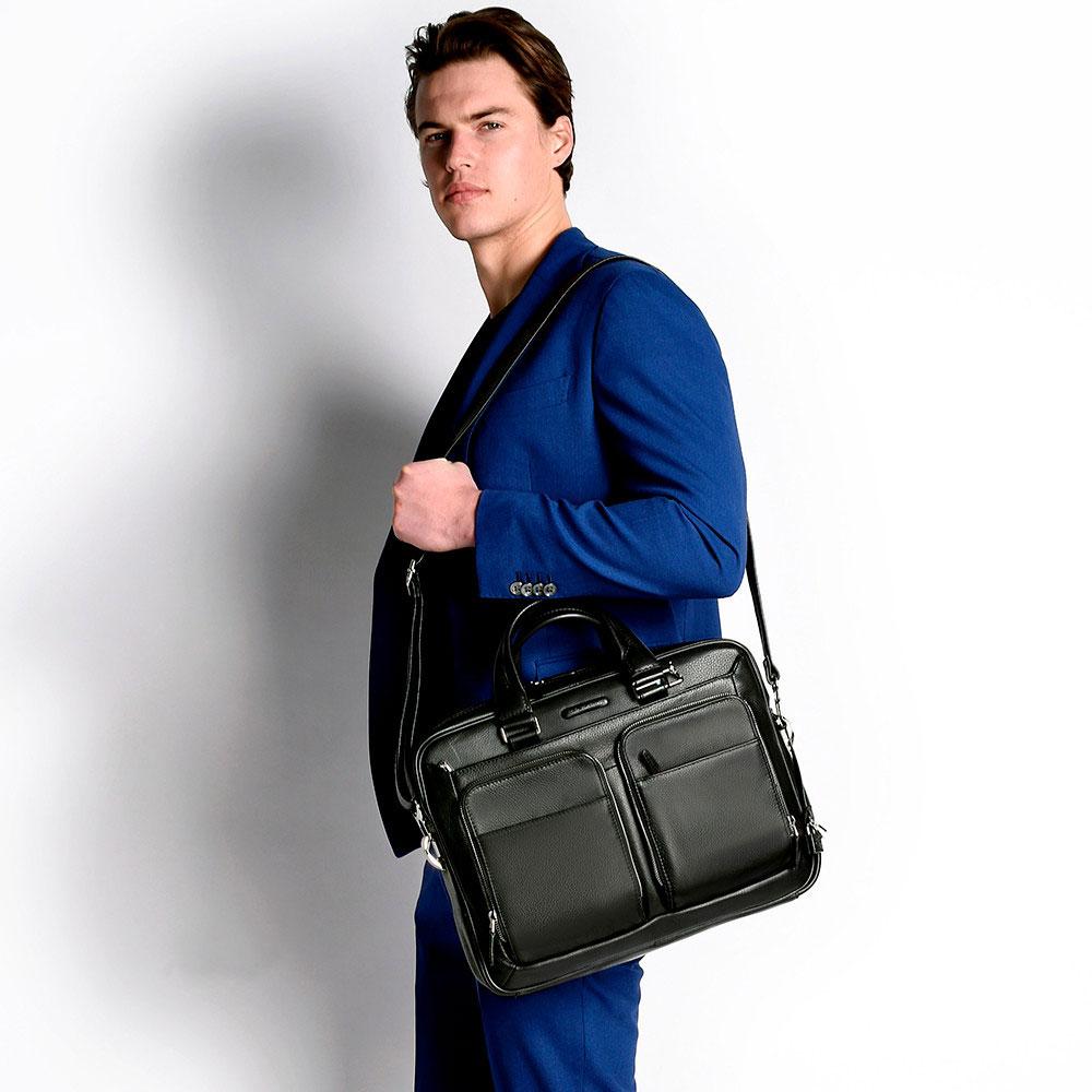 Кожаная вместительная сумка Piquadro Modus из черной зернистой кожи