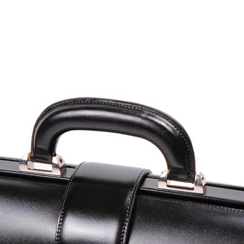Портфель Montblanc Meisterstuck из гладкой черной кожи на замке, фото