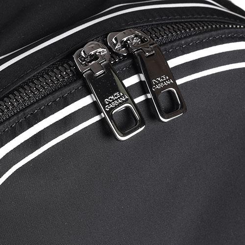 Рюкзак Dolce&Gabbana черного цвета с брендовой надписью, фото