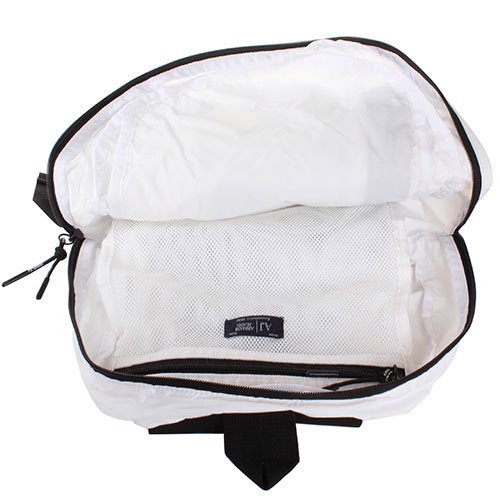 Текстильный спортивный рюкзак Armani Jeans белого цвета, фото