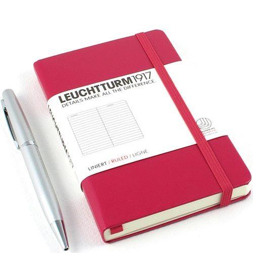 Карманная записная книжка Leuchtturm1917 малинового цвета в клетку, фото