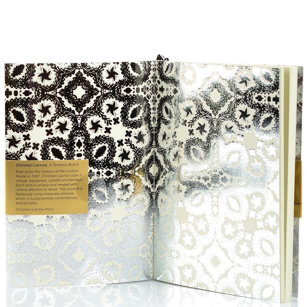 Блокнот Christian Lacroix Papier Paseo серебряный рельефный А6 с закладкой и эластичной зажимающей лентой