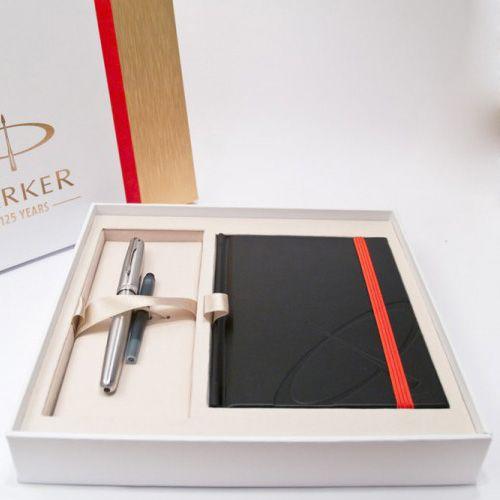 Подарочный набор Parker из перьевой ручки Sonnet 08 SS CT и блокнота