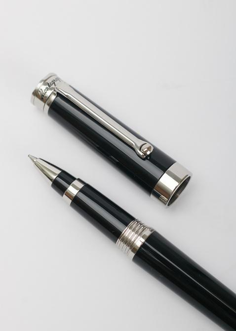 Ручка-роллер Montegrappa Parola с черным корпусом, фото