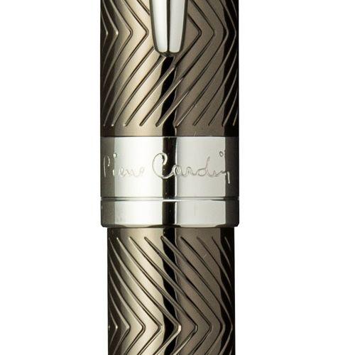Шариковая ручка Pierre Cardin с изящной гравировкой, фото
