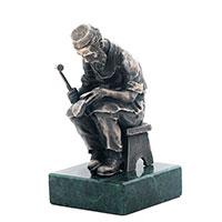 Серебряная фигура Оникс Еврейский сапожник за работой, фото