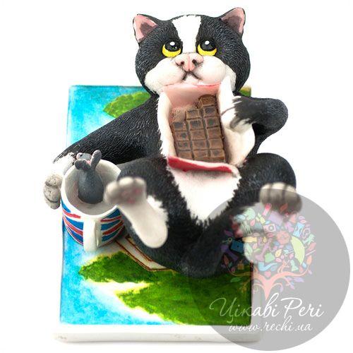 Кот с плиткой шоколада Enesco, фото