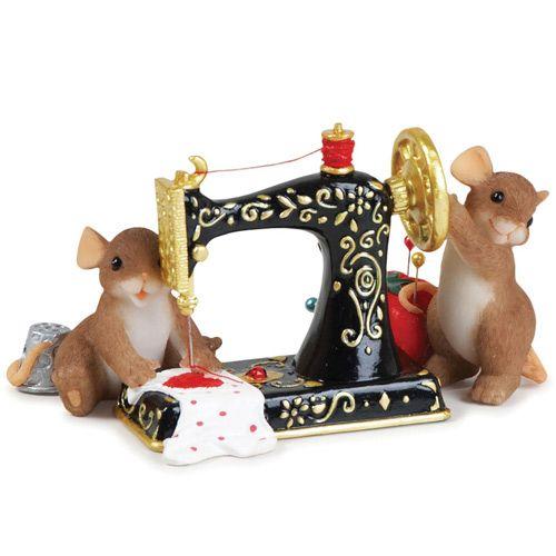 Славные мышки со швейной машинкой, фото