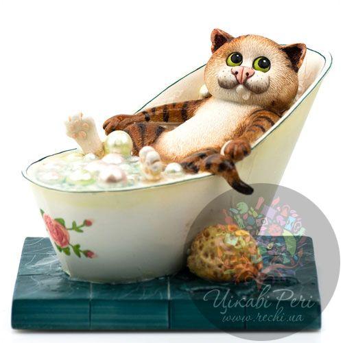 Кот в ванной, фото