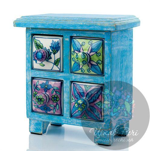 Голубой комодик Gall and Zick на 4 ящичка со стилизованной росписью на цветочную тему, фото