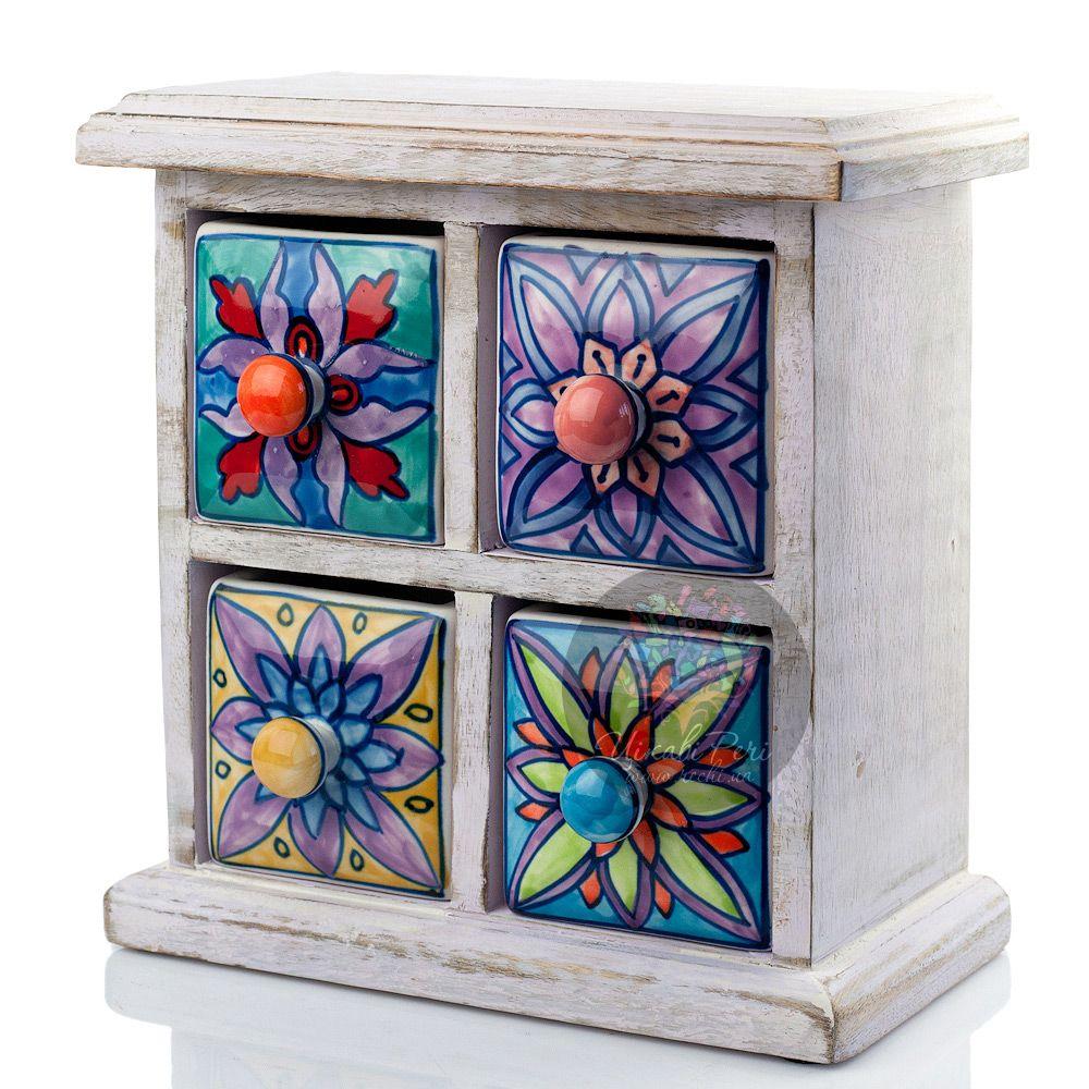 Белый комодик Gall and Zick на 4 ящичка со стилизованной росписью цветочной тематики