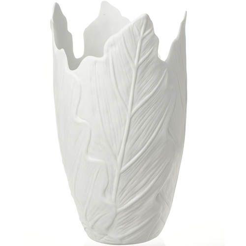 Белая ваза Eterna в виже свернутых листьев керамическая матовая, фото