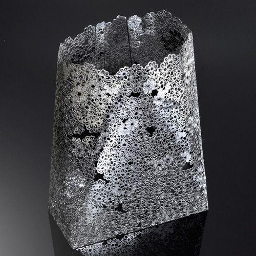 Ваза Metalace средняя с ажуром Petite Fleur, фото