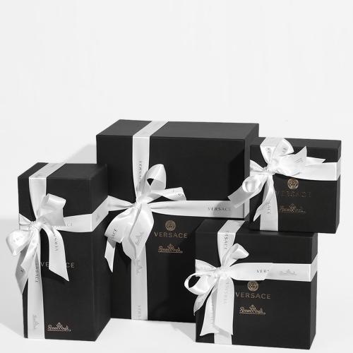 Ваза с крышкой Rosenthal Versace Vanitas из черного фарфора, фото