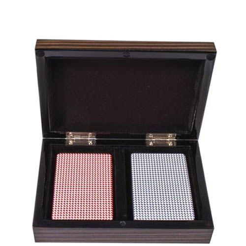 Колоды карт в деревянной коробке