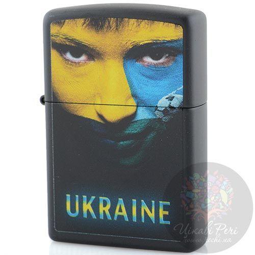 Зажигалка Zippo Ukraine с портретом в желтом и голубом цветах, фото
