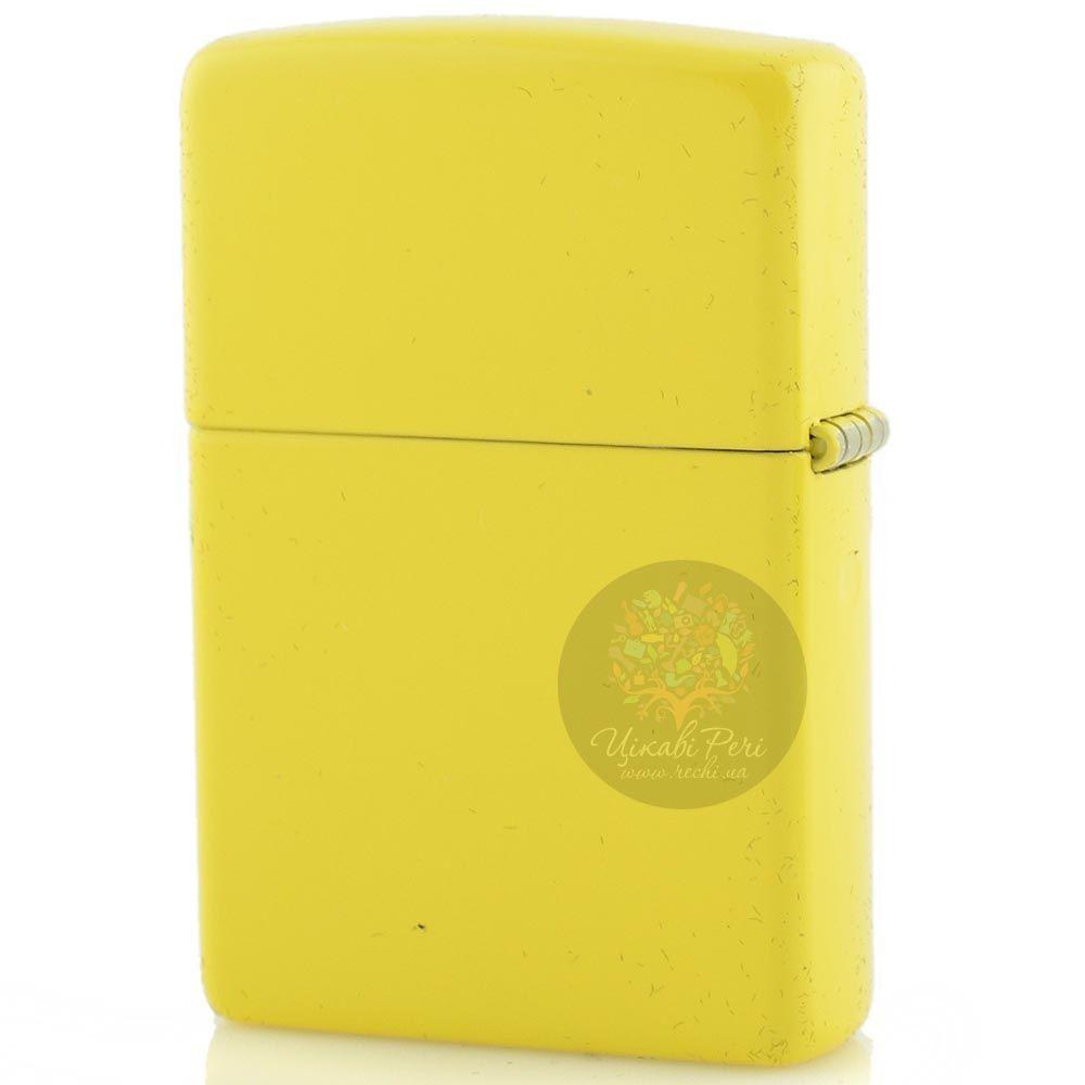 Зажигалка Zippo желтая с рисунком в стиле украинской народной вышивки