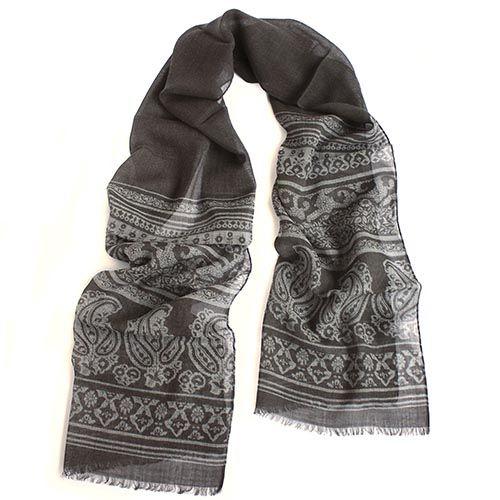 Теплый палантин Maalbi серого цвета с орнаментом, фото