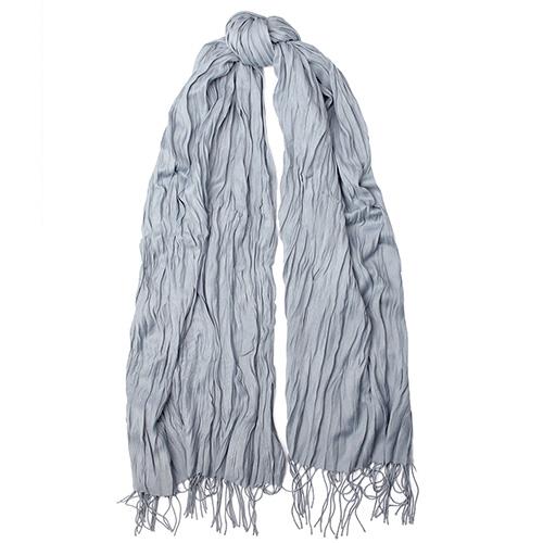 Жатый шарф-плиссе Fattorseta серого цвета с бахромой, фото