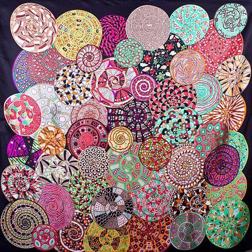 Шелковый платок Eterno с цветными яркими стилизованными раковинами улиток, фото